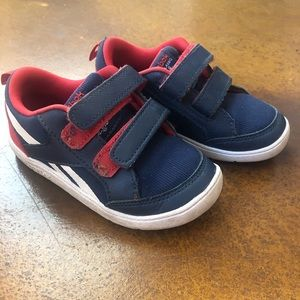 Reebok VentureFlex sneakers